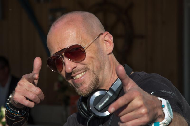 Allround Bruiloft DJ Huren | We Arrange