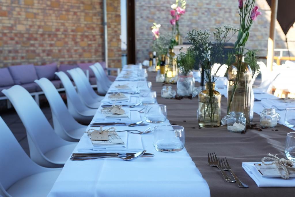 Huwelijksvoltrekking, receptie en feest op één locatie