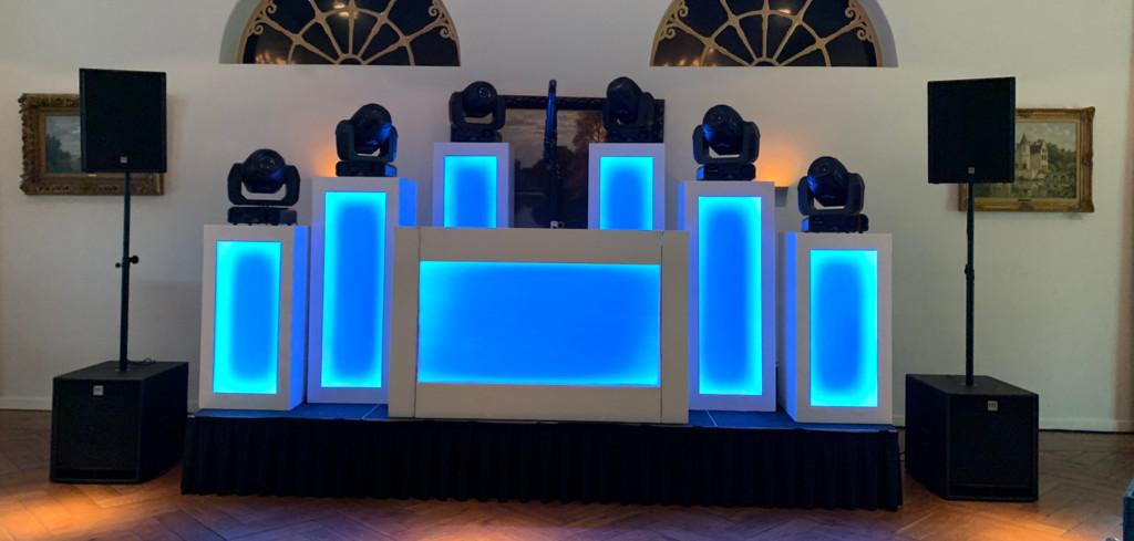 Bonnema DJ Shows | Large DJ Show White