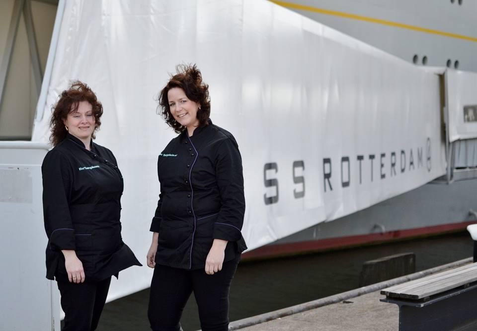 Lisa en Sonja van team Het Taartgeheim