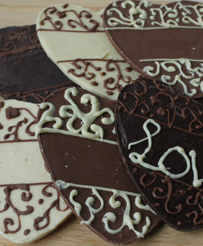 groot chocolade hart met namen en trouwdatum