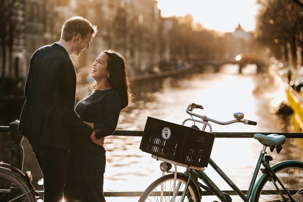 Pre- wedding love shoot is de beste manier om je trouwfotograaf beter te leren kennen in praktijk…