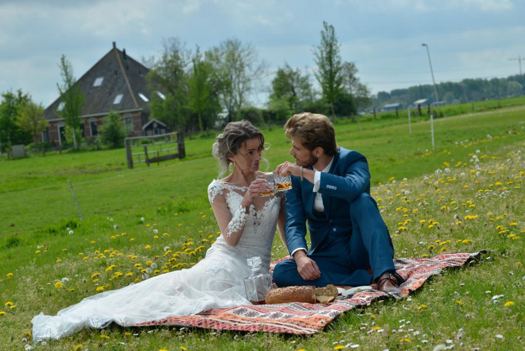 trouwen in het weiland