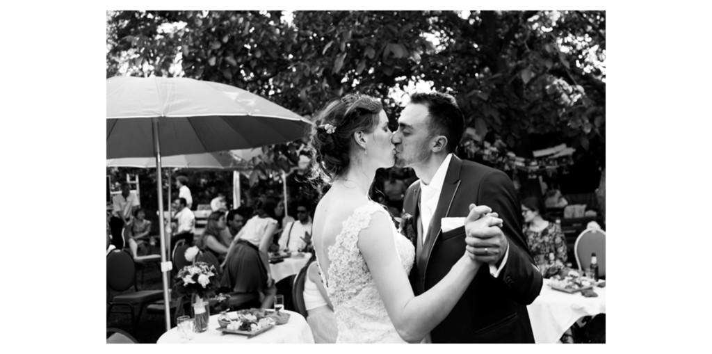 Trouwfeest in de tuin Bruiloft Eindhoven Waalre – Trouwfotografie door I Shoot Weddings