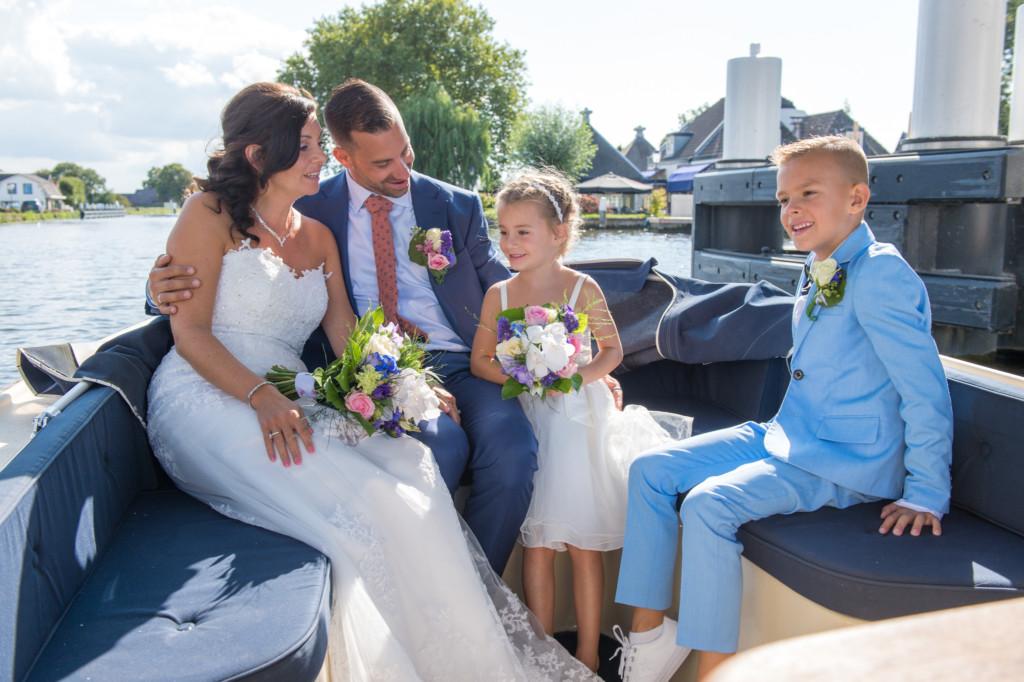 Familie op de boot