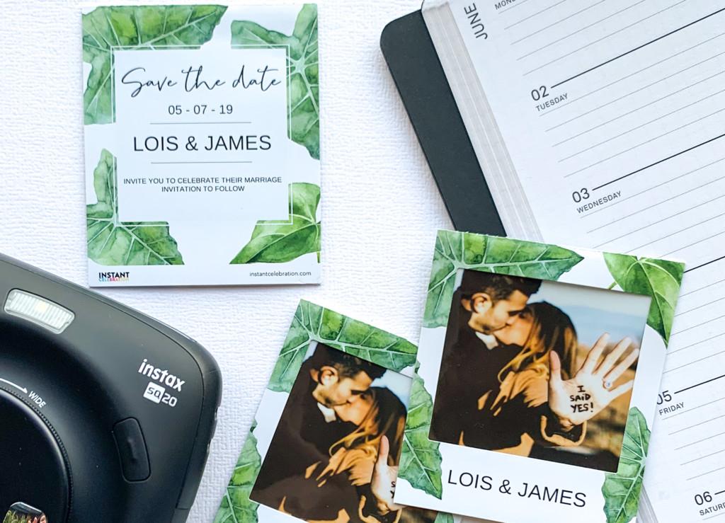 Als fotogift, bedankje of save the date! Een instax foto met gepersonaliseerde sticker frames. Voor instax mini, square en wide.