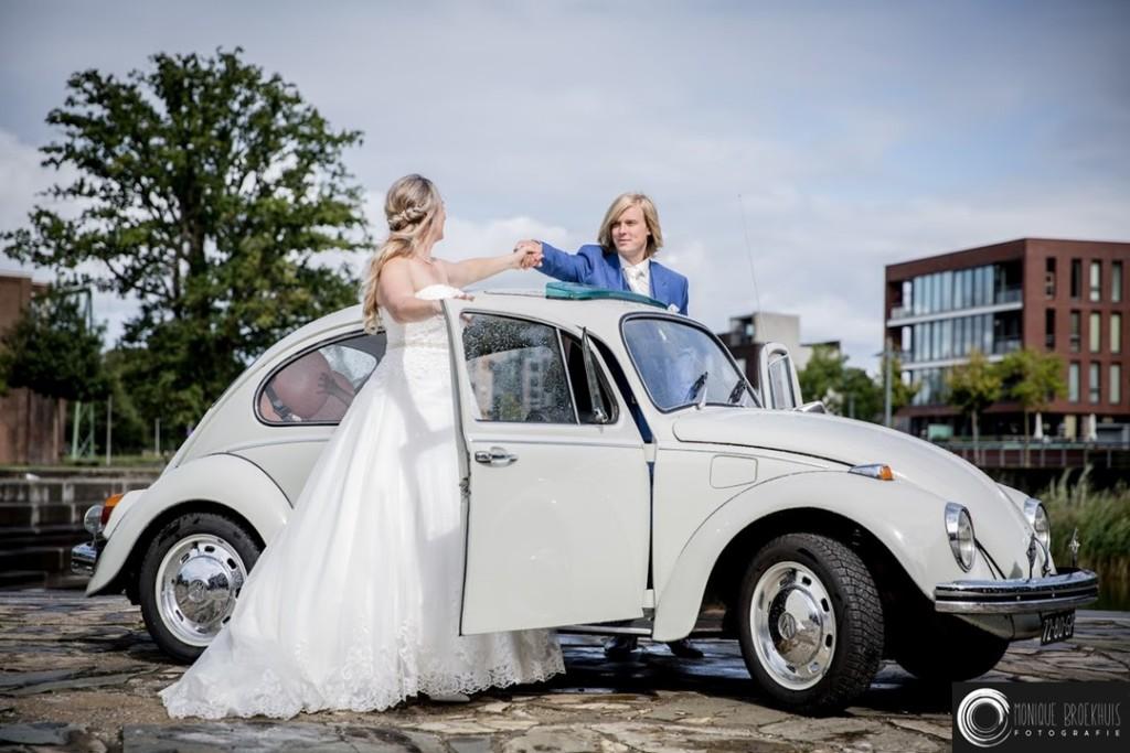 6. VW Volkswagen Kever 1968 Vintagecarswapenveld wit roomwit trouwauto klassieker youngtimer oldtimer huur schuifdak
