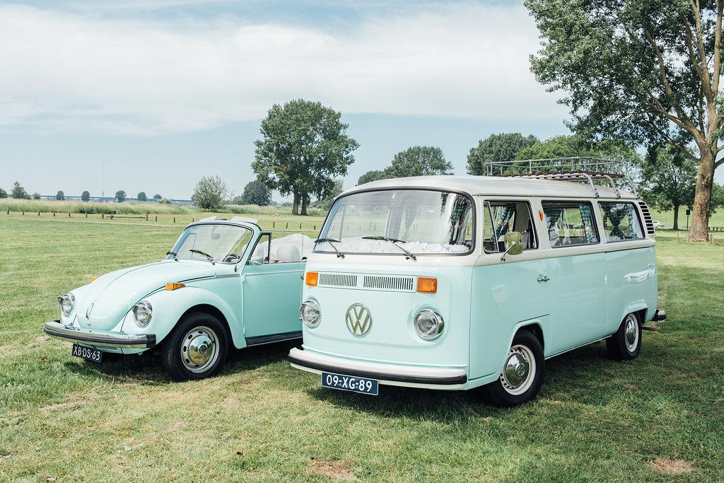 Volkswagenbusje & Kever als trouwvervoer